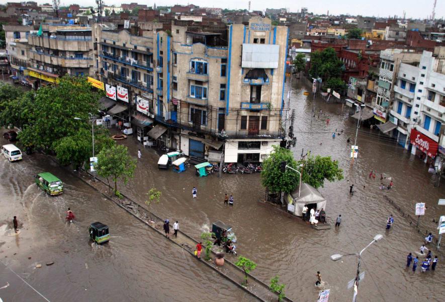 pakistan flash flood july 01