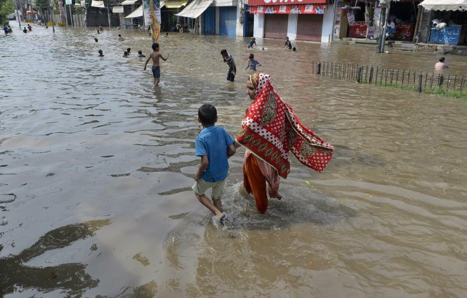 pakistan flash flood july 05