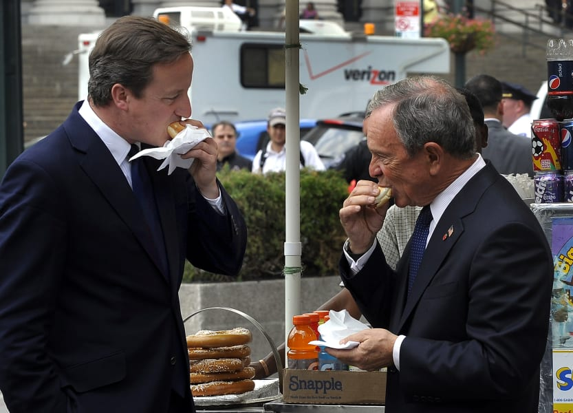 Michael Bloomberg David Cameron hotdog 9