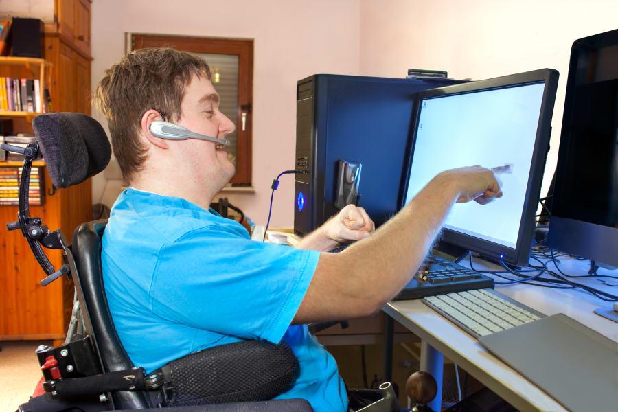 08 ada computer screen