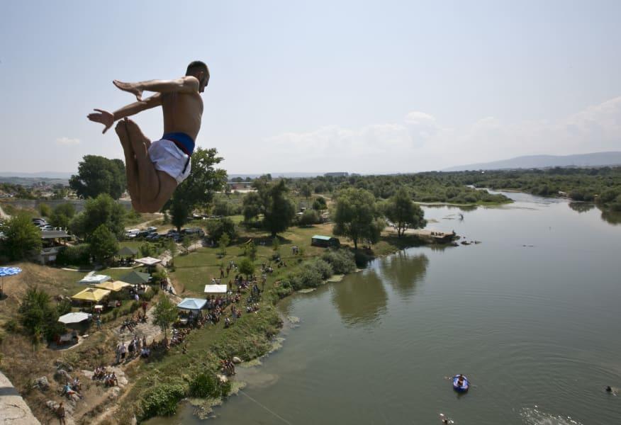 kosovo high diving 2015 06