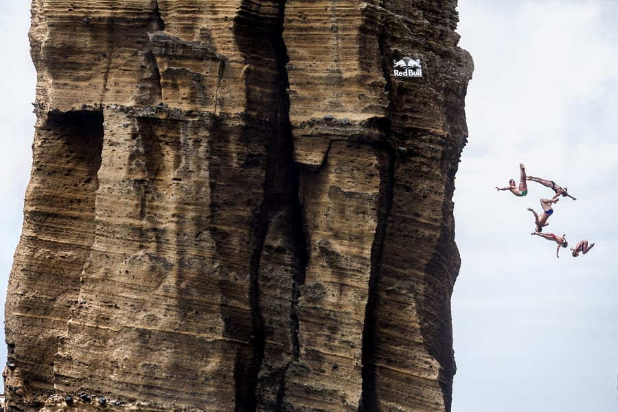 portugal red bull cliff diving 2015 06
