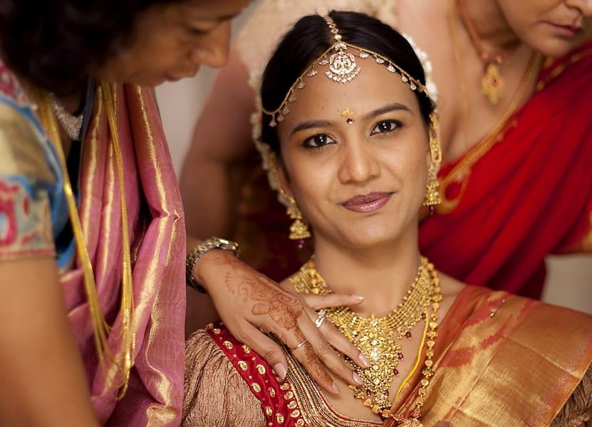india wedding bride gold necklace