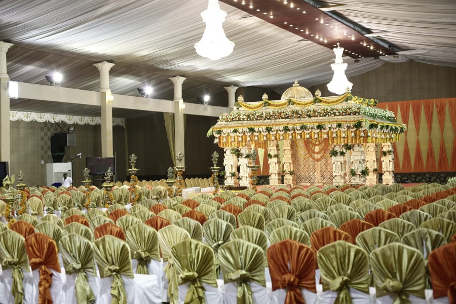 india gold wedding event
