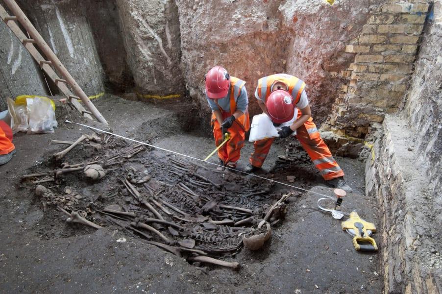 Crossrail Plague Pit 2