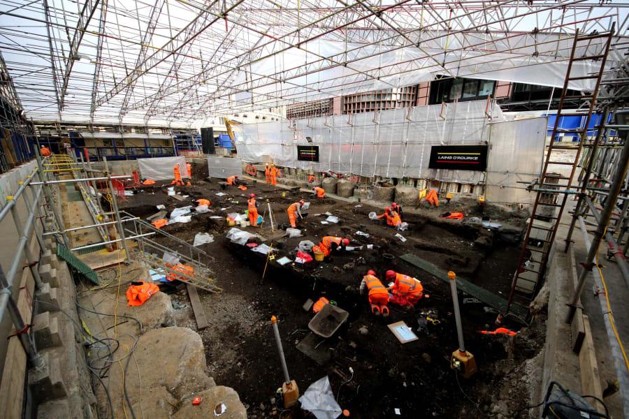 Crossrail Plague pit 3