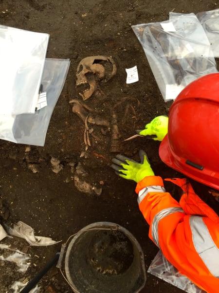 Crossrail plague pit 5