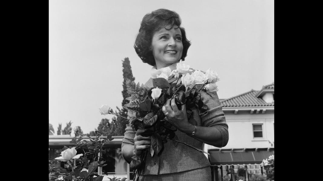11 Betty White Rose Parade RESTRICTED