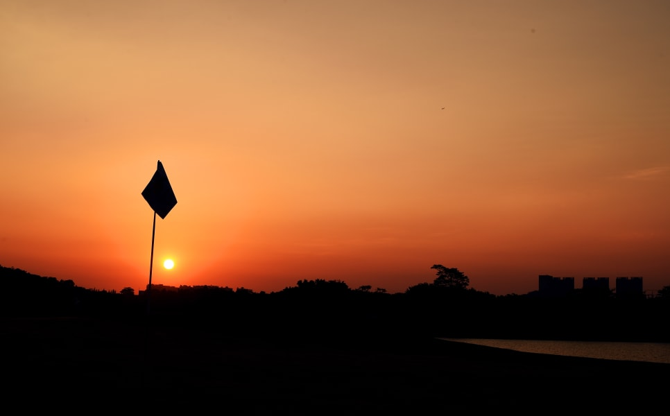 Golf sunsets gal 9