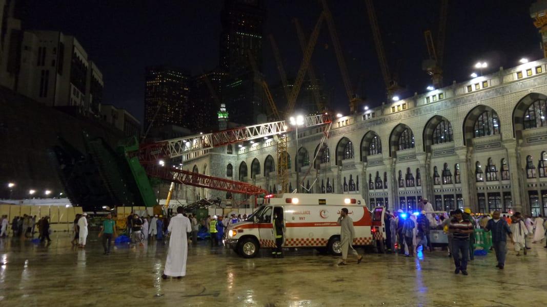 04 mecca crane 0911 - RESTRICTED