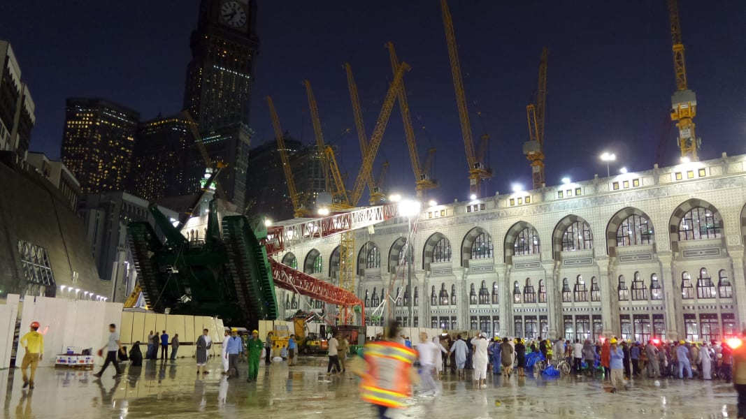 RESTRICTED mecca crane crash 0911