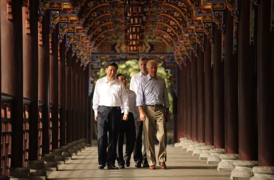 09 chinese leaders xi biden 2011