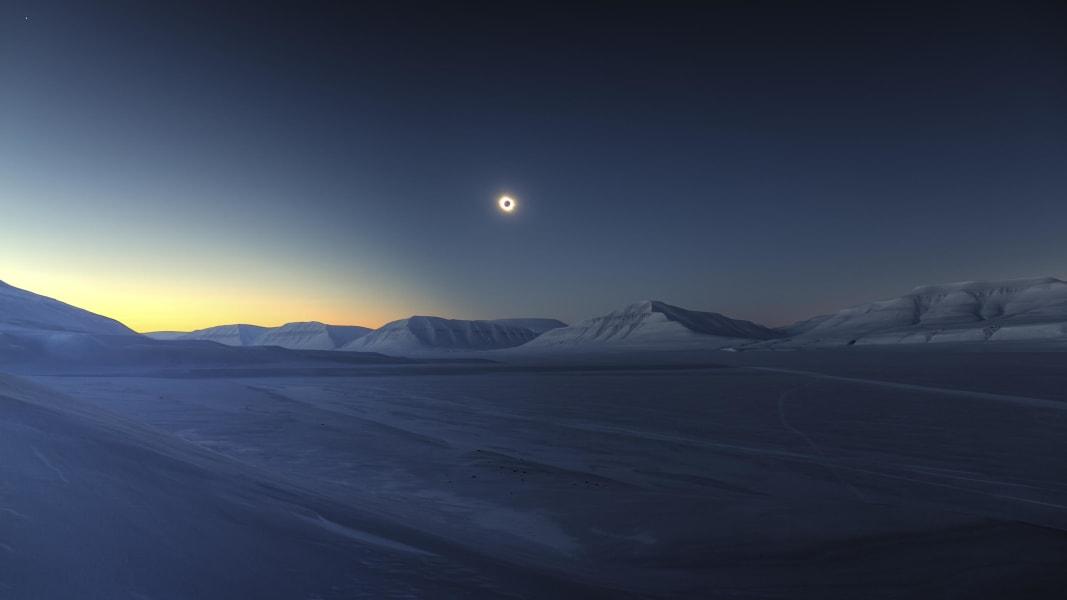 01 astronomy skyscrapes Eclipse