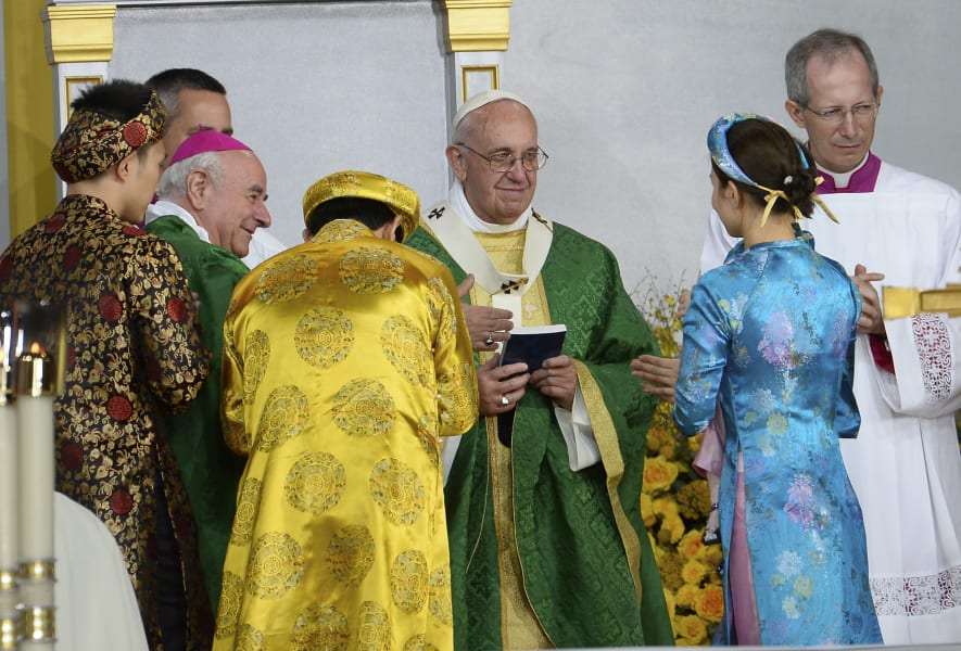 12 pope 0927