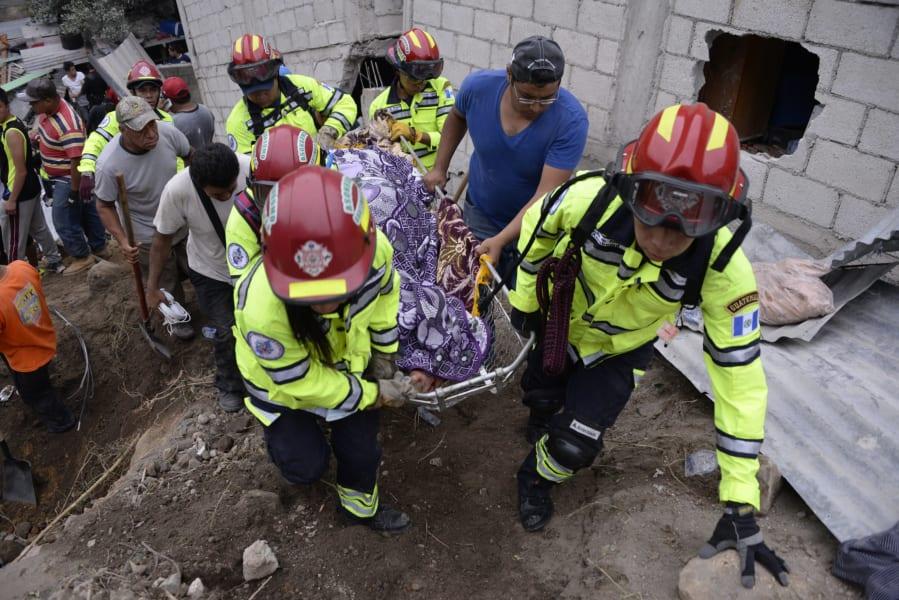 09.guatelmala-landslide-1003