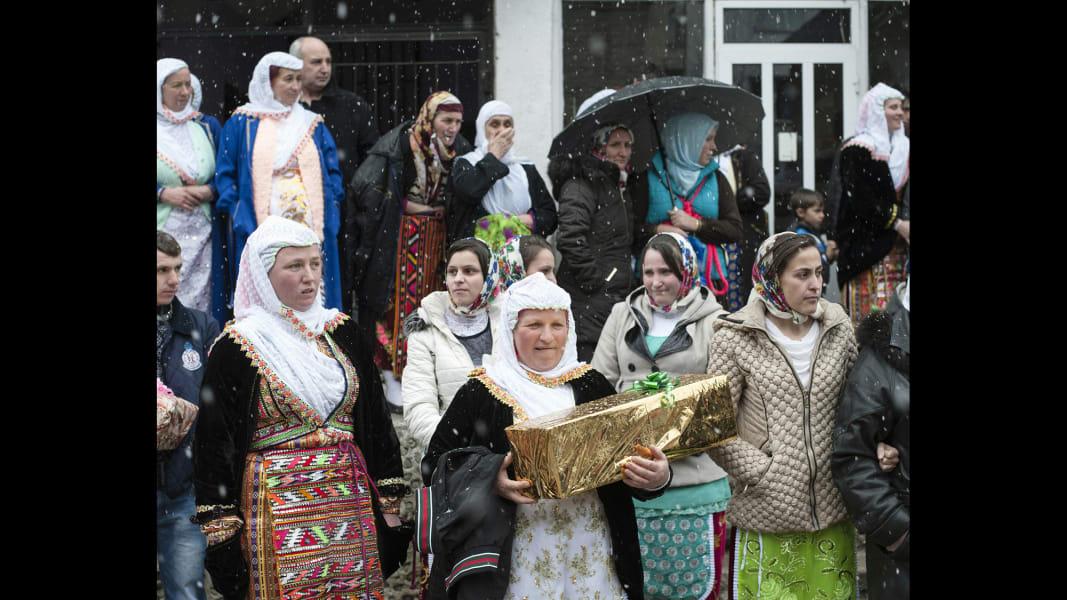 03 cnnphotos bulgarian muslim wedding RESTRICTED