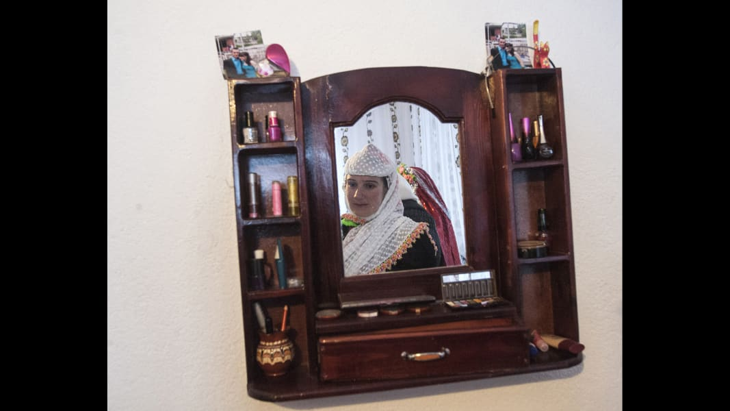 12 cnnphotos bulgarian muslim wedding RESTRICTED