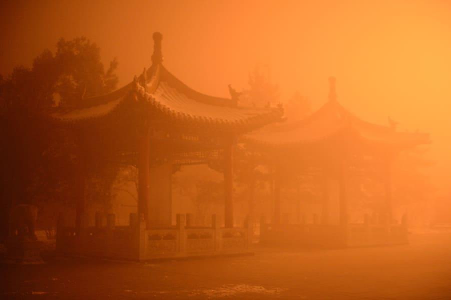 china inner mongolia hohhot worst smog 1129 02