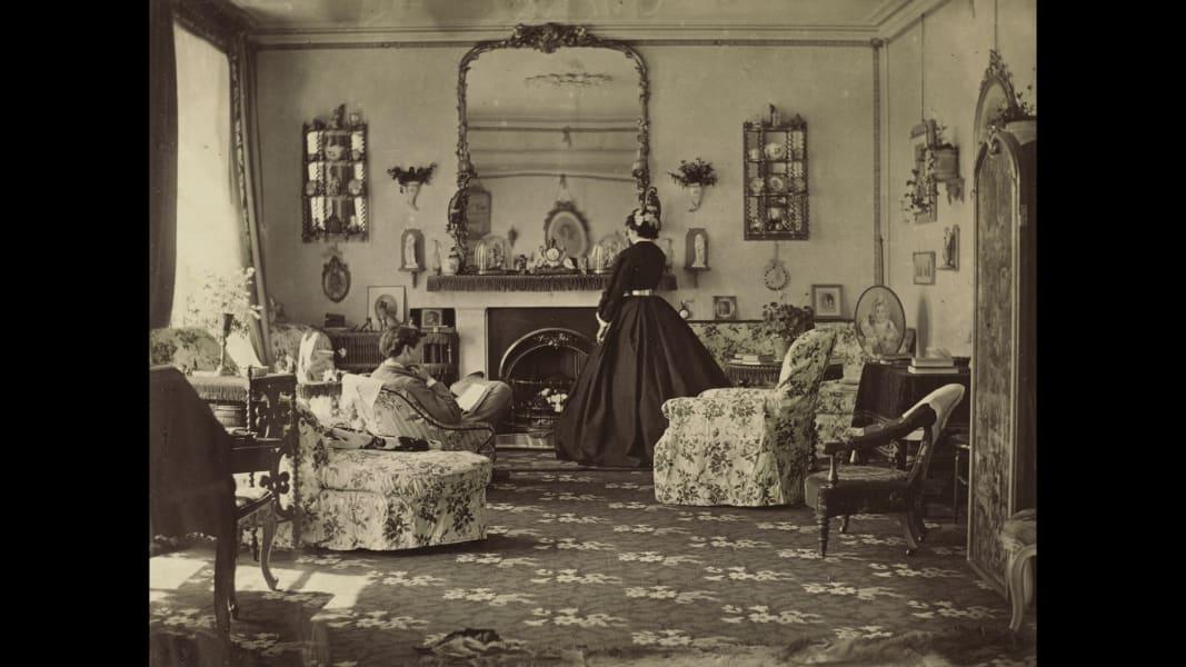 11 tbt women photographers exhibit