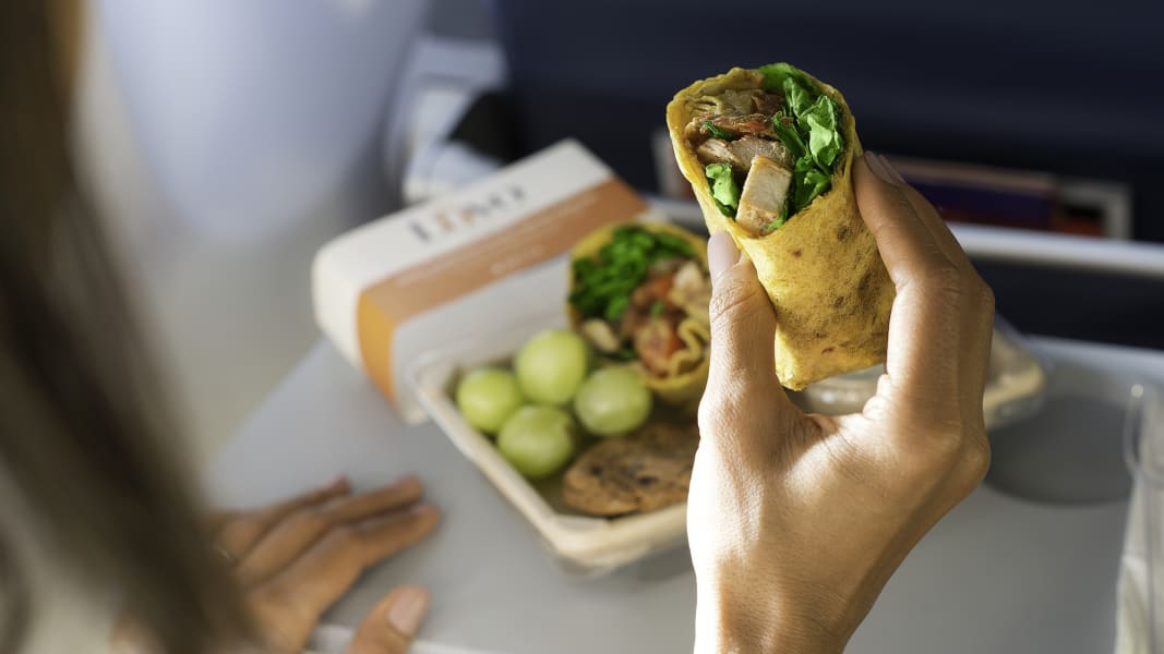 02 airline food