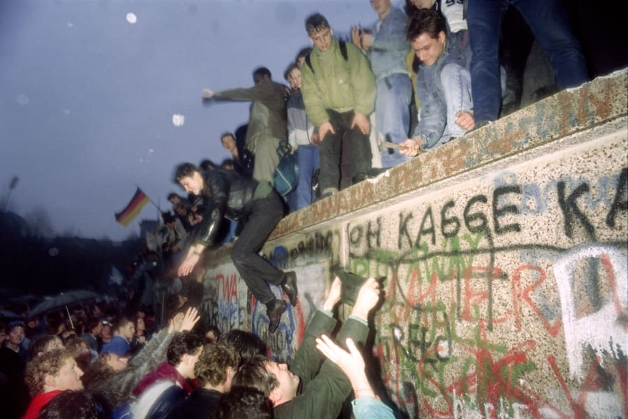 East Germany West Germany Berlin Wall Brandenburg Gate