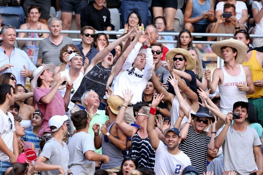 crowd australian open 2016