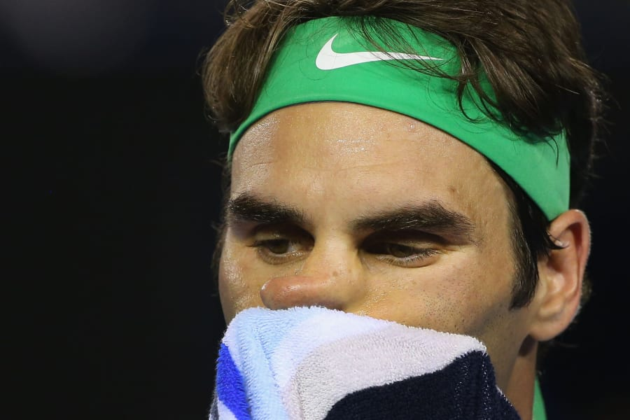federer wipes face semifinal