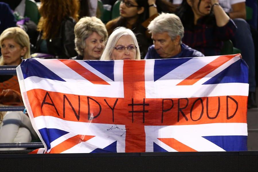 Andy Murray fans Australian Open