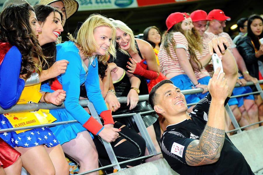 Wellington 7s fans sonny bill williams