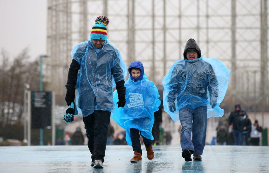 Manchester City supporters rain