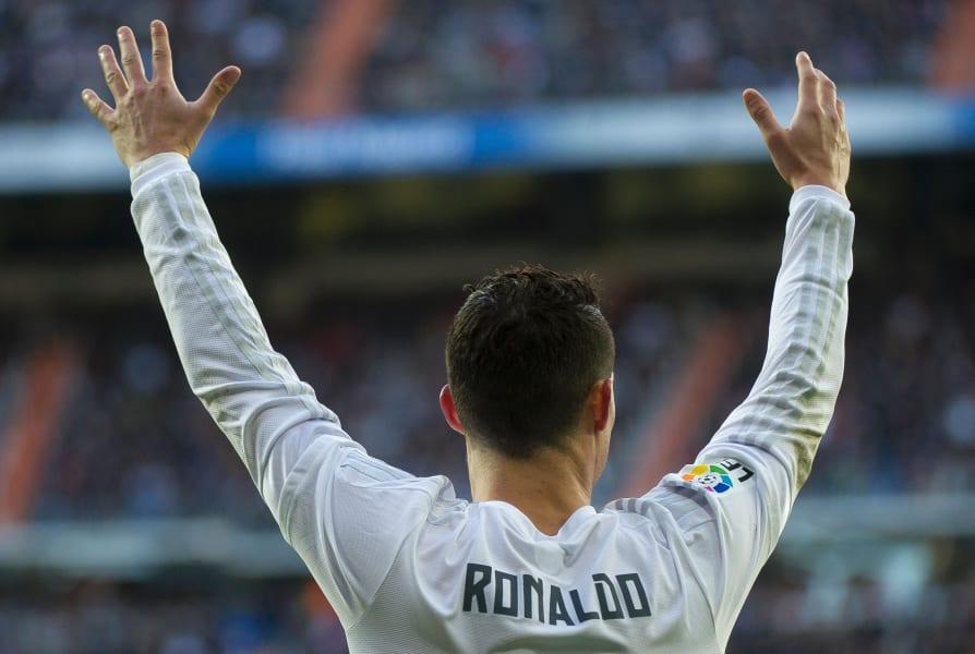Ronaldo arms in air