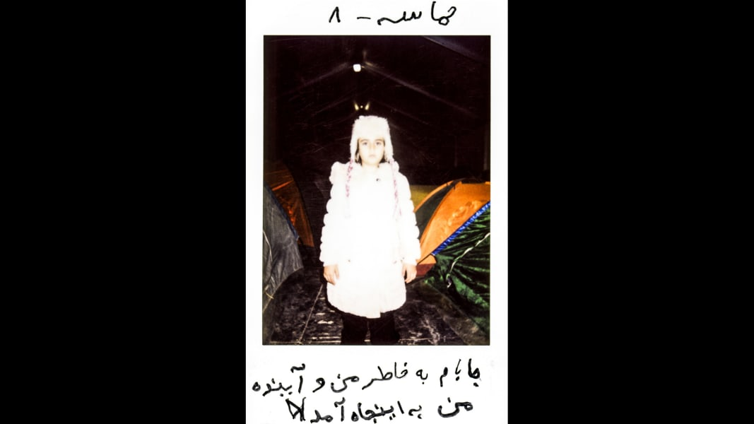 02 cnnphotos Refugee Polaroids RESTRICTED