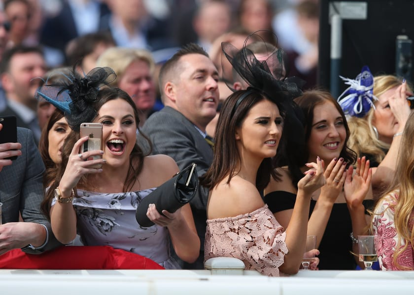 grand national crowd