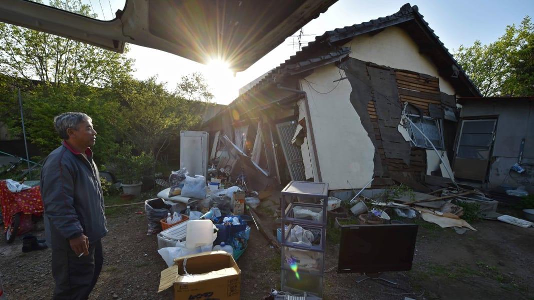 08 Japan Earthquake 0415