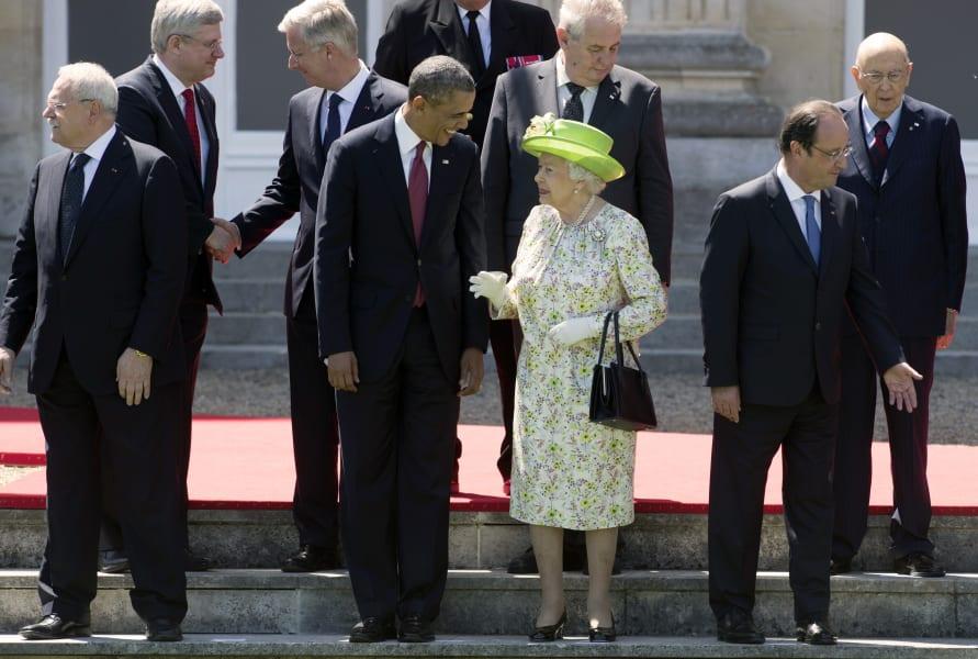Queen elizabeth II and President Obama