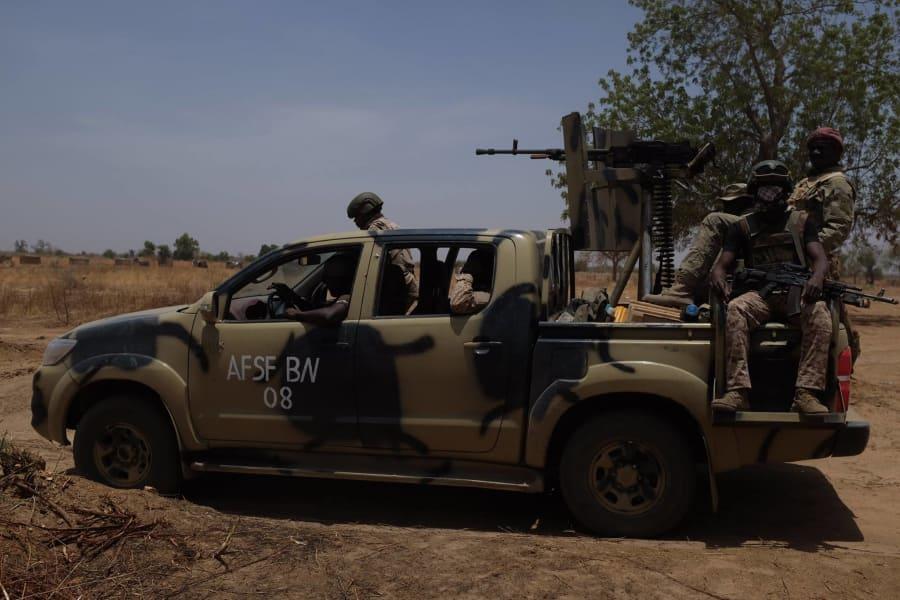 nigerian army convoy troops