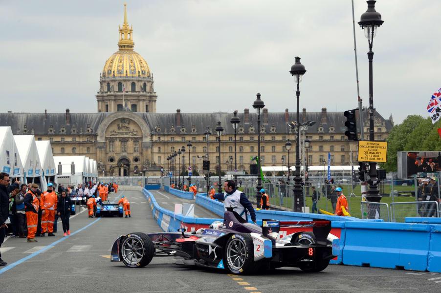 formula e paris pit lane ground level
