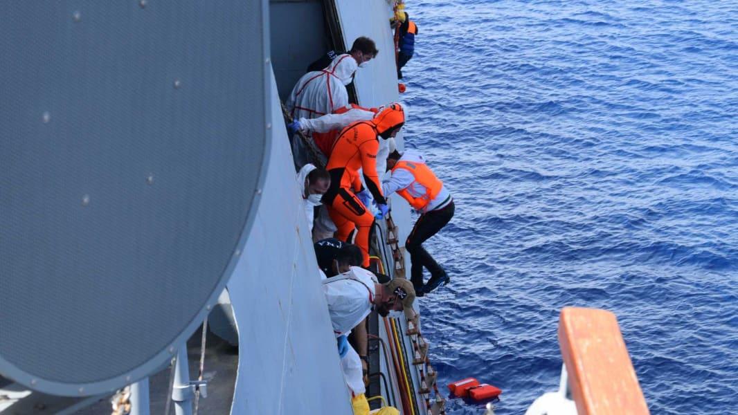 08_migrant rescue 0525