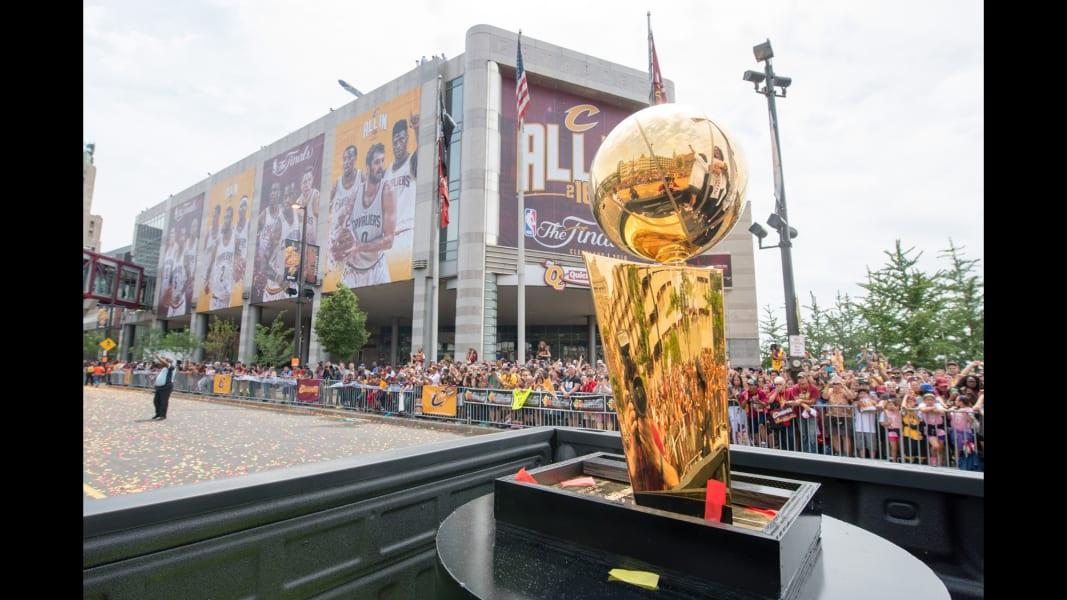 10 Cleveland Cavaliers parade 0622