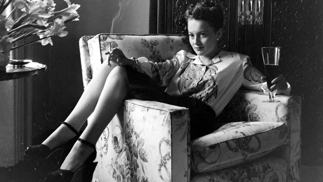 01 Olivia de Havilland RESTRICTED