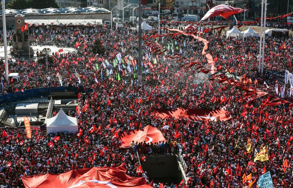 Taksim Square ralley 3