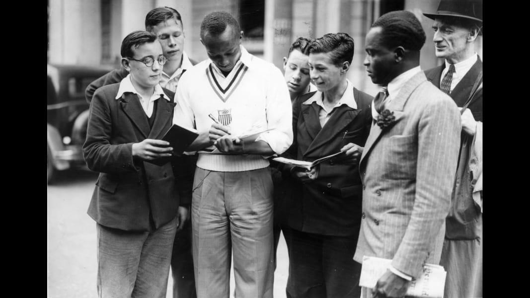 12 Jesse Owens TBT