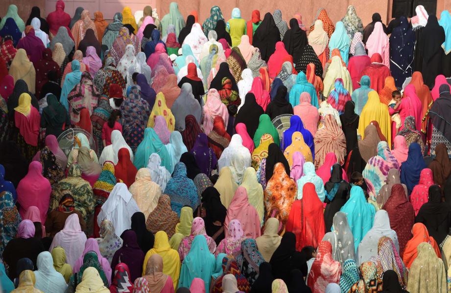05 muslim headscarves explainer