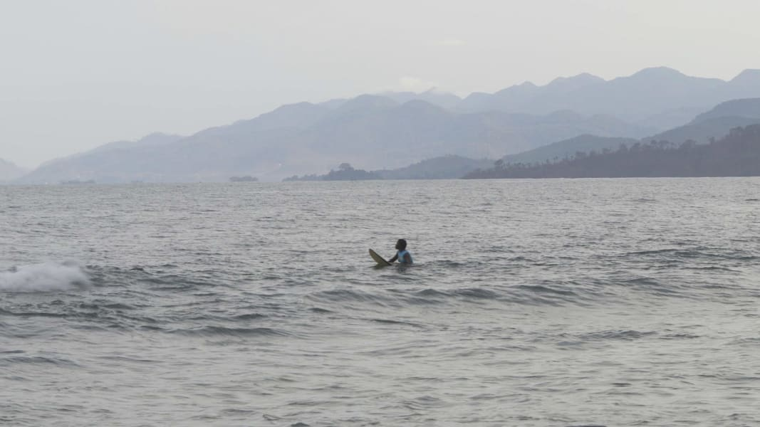 kk sierra leone surfer 5