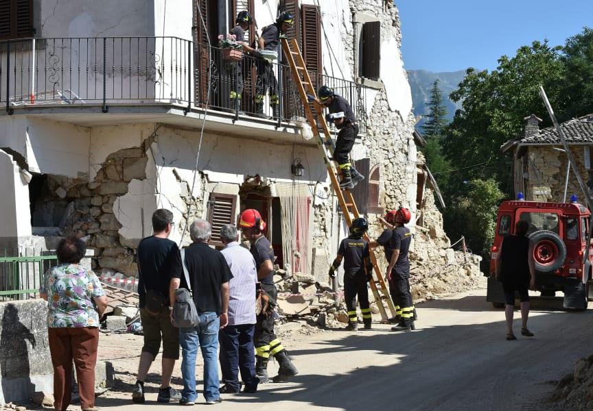 01 italy earthquake 0828