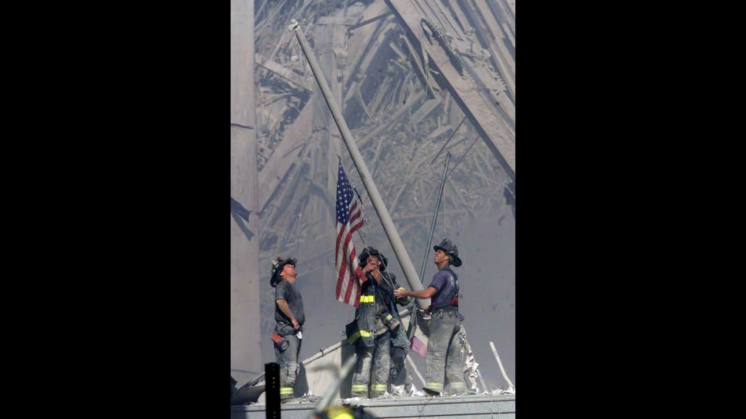 World Trade Center 9//11 Firemen At American Flag Ground Zero Silver Halide Photo