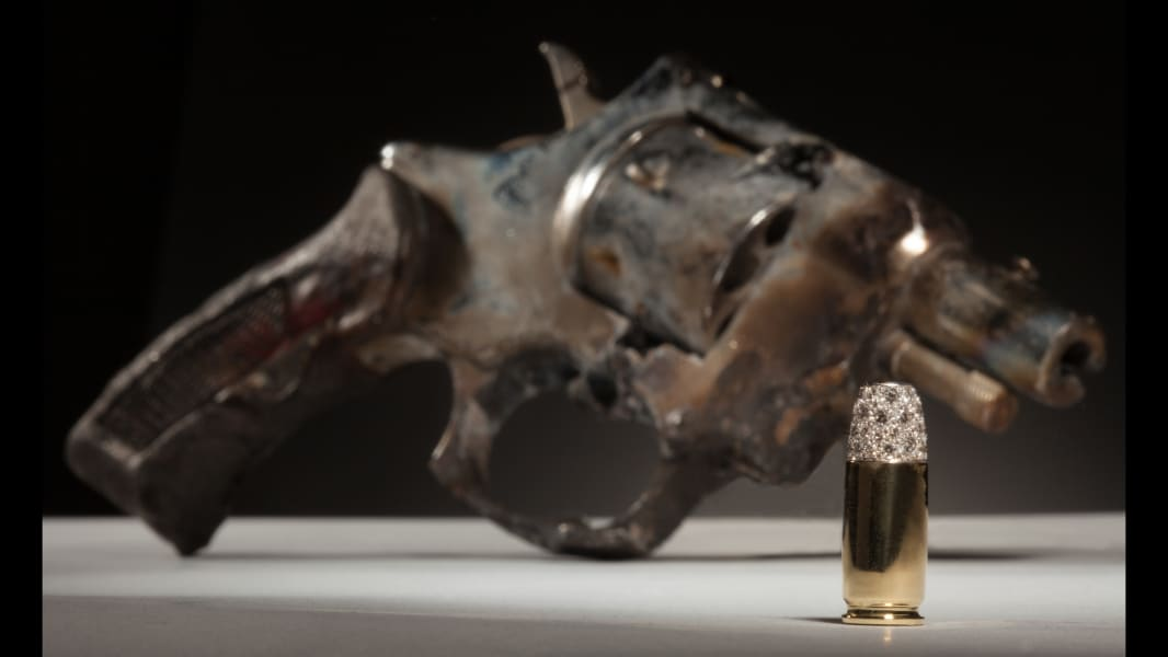 18 Guns in the Hands of Artists