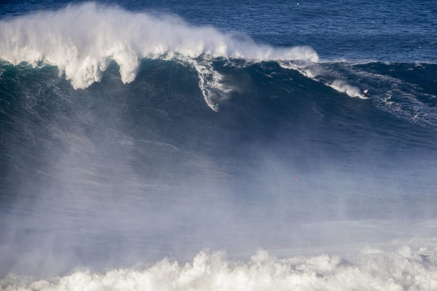 andrew cotton portugal big wave