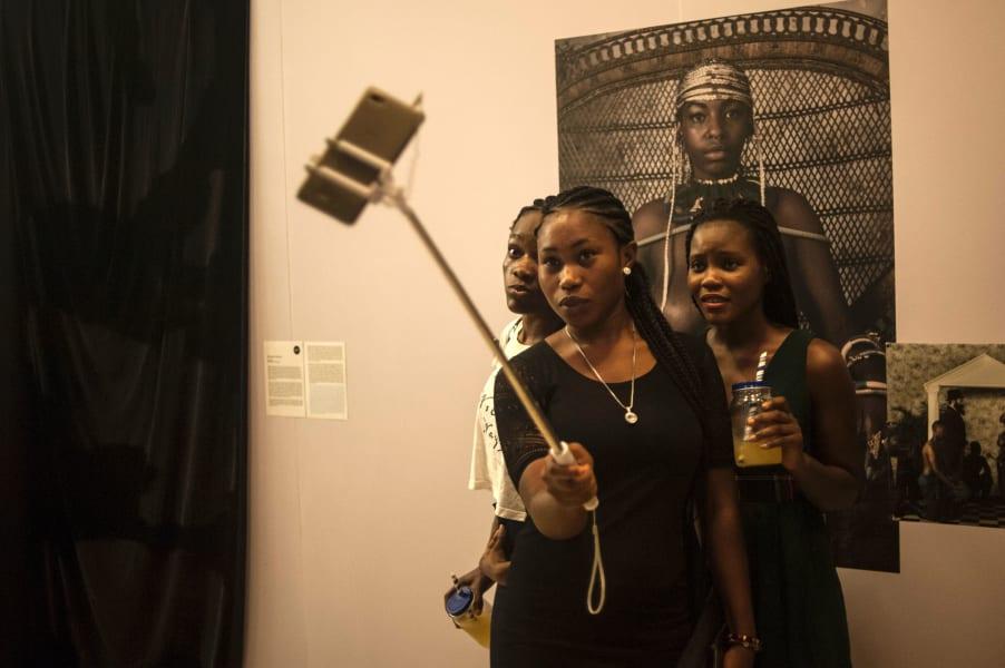 mobile market Africa selfie