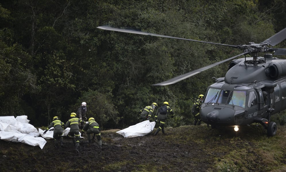 08 colombia plane crash site 1129